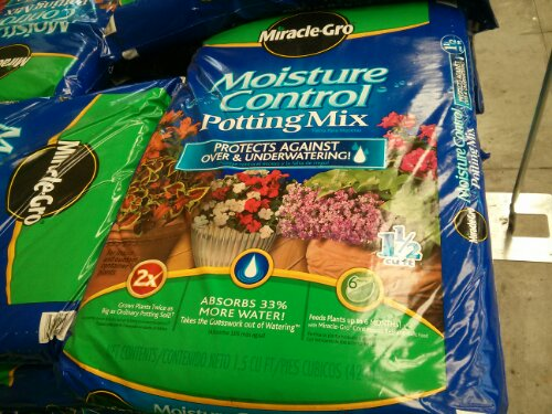 Miracle gro moisture control potting mix costco vs walmart for Topsoil vs potting soil