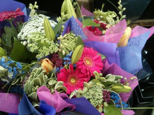 Mother's day 2013 - Premium floral bouquet Costco