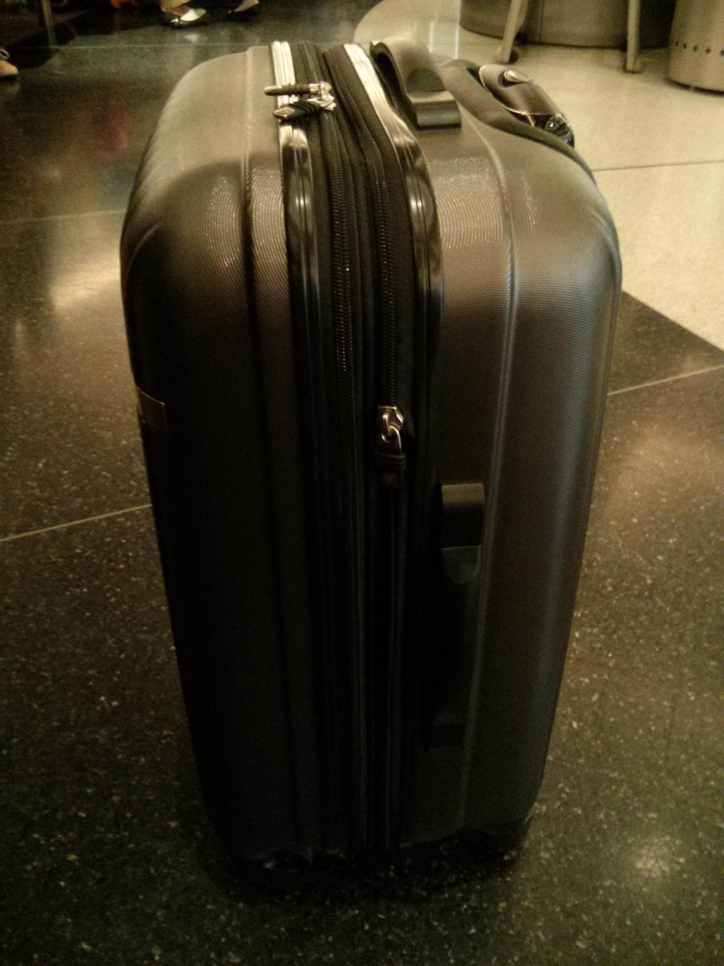 Ricardo 20 Superlight Carry On Spinner Luggage
