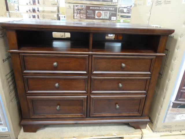 Universal Furniture Sabella Media Dresser