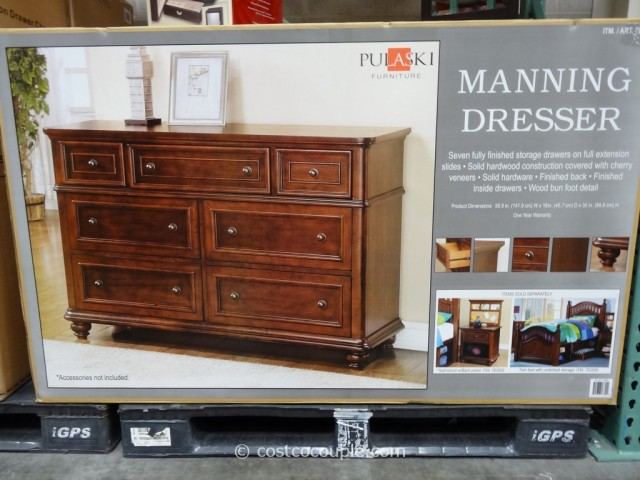 Pulaski Furniture Manning Dresser