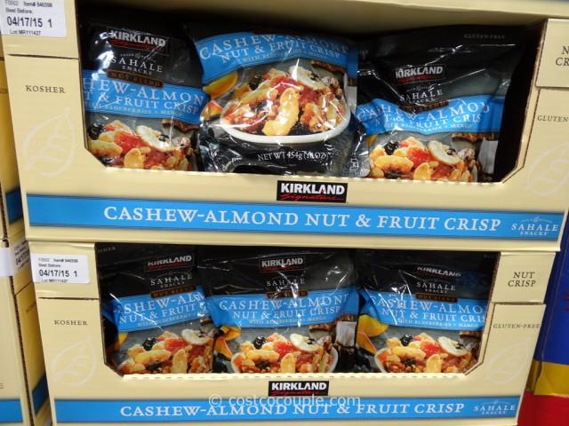 Kirkland Signature Cashew-Almond Nut and Fruit Crisp Costco 2