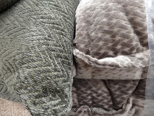 Studiochic Home Pillows