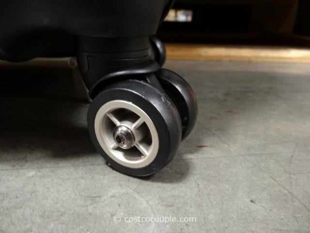 Ricardo 25-Inch Hardside Spinner Costco 4