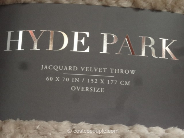 Hyde Park Jacquard Velvet Throw