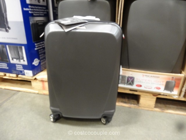 Ricardo 20-Inch Superlight Carry-On Spinner Costco 3