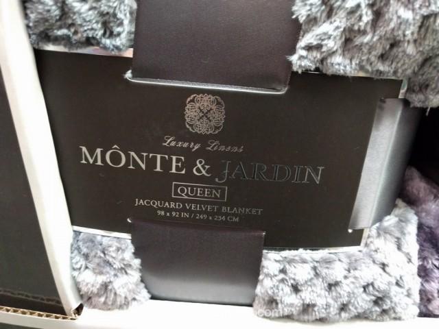 Monte And Jardin Jacquard Queen Blanket