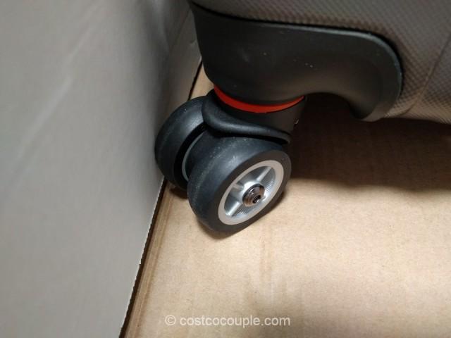 Swiss Gear 20-Inch Hardside Spinner Costco 8