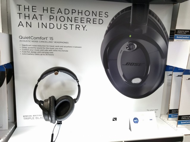 Bose QuietComfort 15 Noise Cancelling Headphones Costco 2
