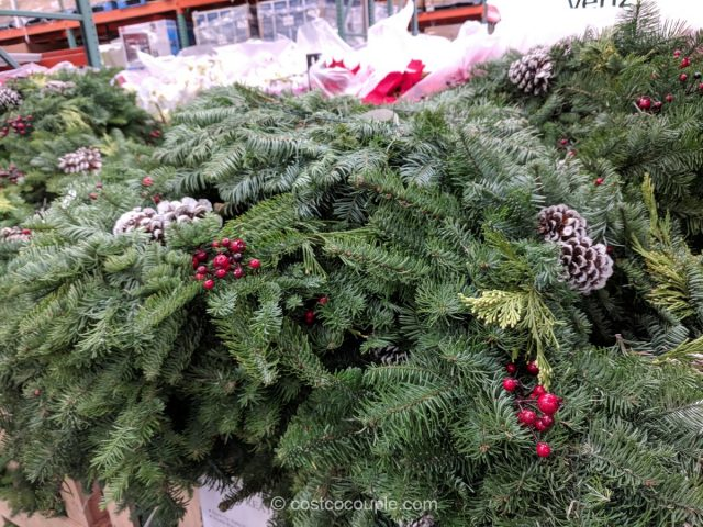 Mixed Wreath 2017 Costco