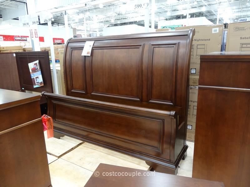 Universal Furniture Sabella Sleigh Bed